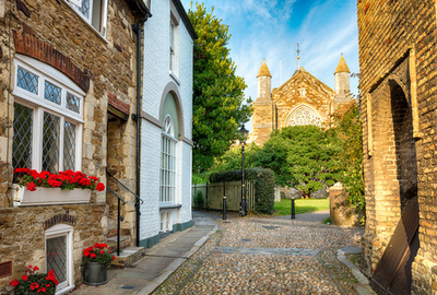 A view of St Marys Church in Rye, East Sussex, just 3 miles from the popular, well equipped seaside holiday cottage, Marsh View Cottage, Camber Sands, Rye, East Sussex. Our holiday cottage is dog friendly too and just a few minutes walk from the dog friendly Camber Sands beach