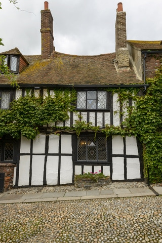 A medieval building in picturesque Rye, East Sussex, just 3 miles from our seaside holiday cottage in Camber Sands, Rye, East Sussex. It has excellent 5***** reviews